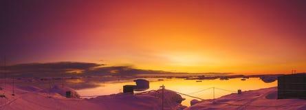 夏天日落在南极洲 免版税库存图片