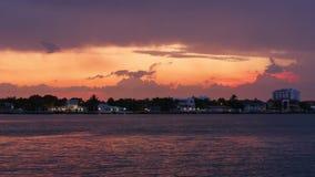 夏天日落迈阿密海滩海湾私有房子全景4k时间间隔佛罗里达美国 股票视频