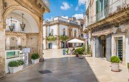 夏天早晨在马丁纳角弗朗卡,塔兰托,普利亚,南意大利省  免版税库存图片