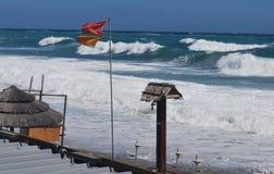 夏天末端在海滩的海风暴 库存照片