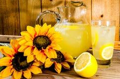 夏天柠檬水 库存图片