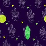 夏天样式用等高仙人掌和颜色斑点在黑背景 纺织品和包裹的装饰品 向量 免版税库存图片