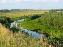 夏天横向 小的河 免版税图库摄影