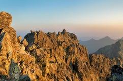 夏天横向 1257座高米山山波兰skrzyczne日出视图 免版税库存图片