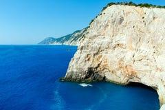 夏天海岸线视图(Lefkada,希腊)。 免版税库存图片