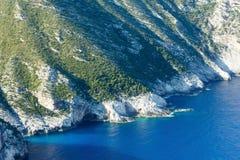 夏天海岸线风景(扎金索斯州,希腊) 免版税图库摄影