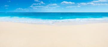 夏天海滩和海 库存照片