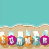 夏天海滩和伞背景 库存图片