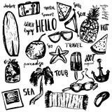 夏天海滩手拉的乱画传染媒介标志和对象与字法 免版税库存照片