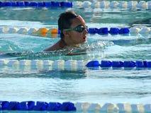 夏天游泳 库存图片