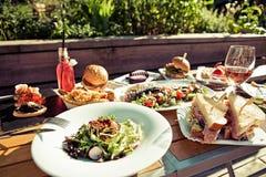 夏天菜单在庭院里 免版税图库摄影