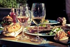 夏天菜单在庭院里 免版税库存图片