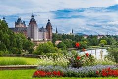 夏天都市风景-古老宫殿Johannisburg,阿沙芬堡, G 免版税图库摄影