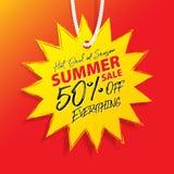 夏天销售促进网站横幅标题设计的V10 50%在横幅或海报的价牌黄色太阳形状传染媒介 库存例证