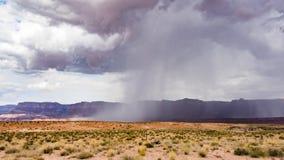 夏天雨,大理石峡谷Hwy 89 免版税库存图片