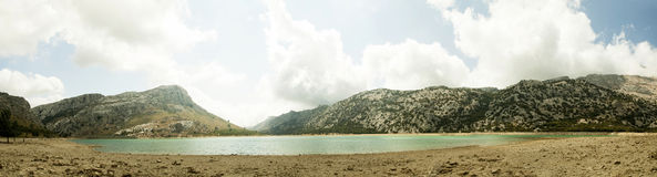 夏天风景全景(Serra de Tramuntana,马略卡海岛, 库存图片