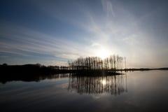 夏天风景河和天空 库存图片