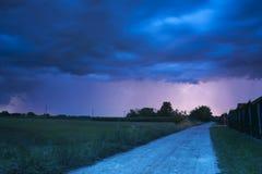 夏天风暴来临 免版税库存照片