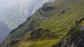 夏天高涨在瑞士阿尔卑斯- Reuti, Hasliberg 库存照片