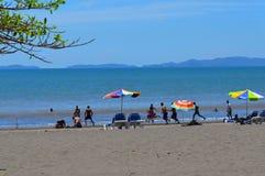 夏天,在海滩的天,家庭tryp Puntarenas哥斯达黎加 库存照片