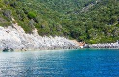 夏天Kefalonia海岸视图(希腊) 库存照片