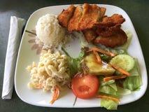 夏威夷板材午餐 免版税库存照片
