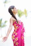 夏威夷的海滩妇女 免版税库存照片