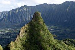 夏威夷的陡峭的山 免版税库存照片