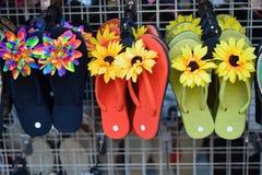 夏威夷花卉拖鞋 图库摄影