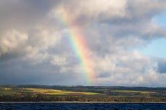 夏威夷从海洋的彩虹视图 库存照片