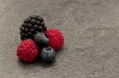 夏季湿莓果 免版税图库摄影