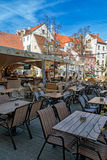 夏季的咖啡馆在老镇 库存照片