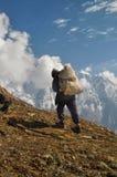 夏尔巴在喜马拉雅山 库存照片