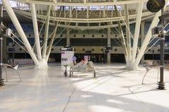 巴黎夏尔・戴高乐机场内部 库存照片