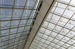 夏尔・戴高乐机场屋顶结构细节在巴黎 免版税库存图片