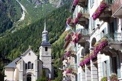 夏慕尼勃朗峰村庄正方形,法国 免版税库存图片