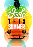 夏时减速火箭的海报 传染媒介印刷设计有五颜六色的圈子背景 10 eps 库存照片