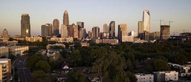夏洛特北卡罗来纳街市城市地平线的鸟瞰图  免版税图库摄影