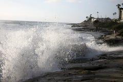 夏令时海边海洋飞溅 图库摄影