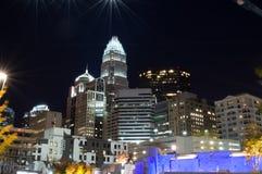 夏洛特市在晚上 免版税库存照片