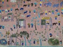 外墙马赛克细节在一个寺庙的在琅勃拉邦 免版税图库摄影
