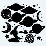 外层空间:与火山口、星、行星土星和UFOs的月亮 免版税图库摄影