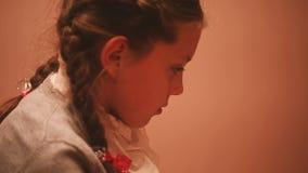 外形的美丽的小女孩 股票视频