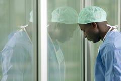 外科医生担心 免版税图库摄影