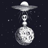 外籍人登陆对从飞碟的月亮 皇族释放例证