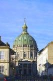 外视图大理石教会(弗雷德里克的教会) 哥本哈根 免版税库存照片