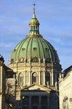 外视图大理石教会(弗雷德里克的教会) 哥本哈根 免版税库存图片
