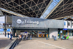 外部中央火车站提耳堡大学,荷兰 库存照片