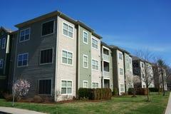 外部和周围的环境付得起的公寓 免版税图库摄影