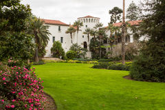 外部圣芭卜拉法院大楼加利福尼亚 免版税图库摄影